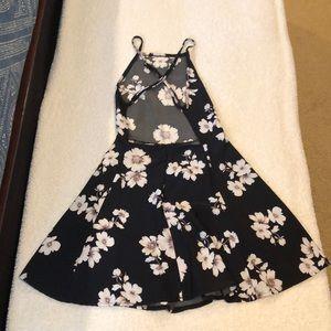 Brandy Melville Dresses - Brandy Melville black and white floral dress